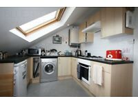 1 Double Bed flat in Streatham-Hitherfield Rd-Close to Station-High Standard-Call today for viewing