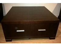 Veneer modern coffe table . excellent condition