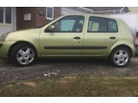Renault Clio 1.2 Green/ Ideal first car
