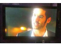 "50"" HD Samsung TV + Swivel Wall Mount"
