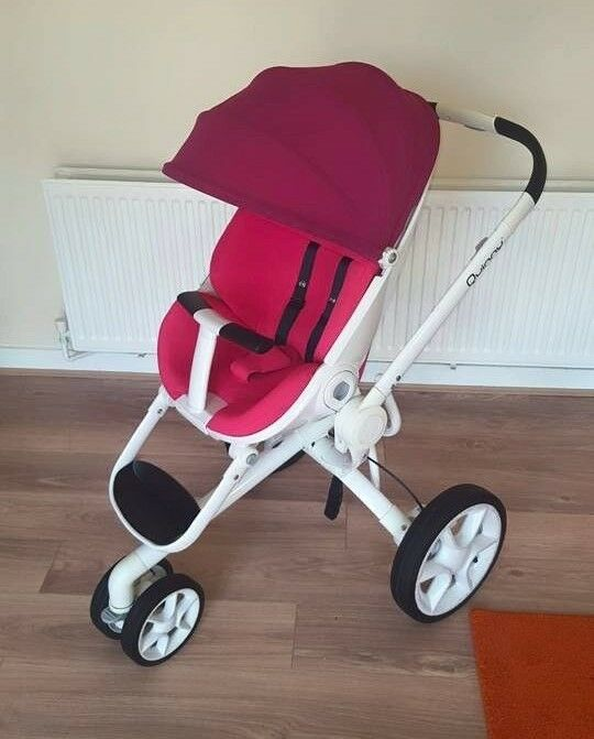 Quinny moodd pink stroller with newborn nest in for Housse quinny moodd
