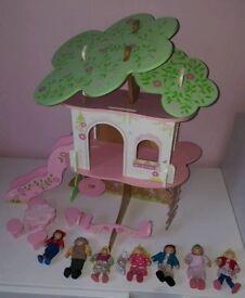 ELC Rosebud cottage play set & extra figures wooden.