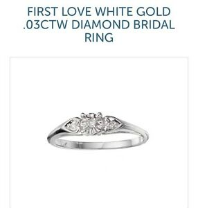 Looking for this ring -white or yellow gold