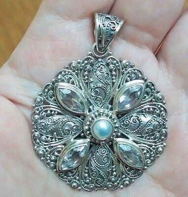 5.60ctw WHITE TOPAZ & CULTURED WHITE FRESHWATER PEARL IN STERLING SILVER PENDANT