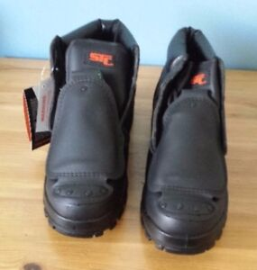 Brand new size 10 never worn steel toe boots