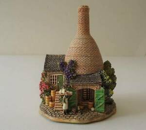 """Lilliput Lane """"THE BOTTLE OVEN"""" with Box & Deeds"""