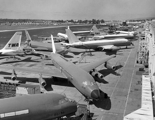 """Convair 880 ((8.5""""x11"""")) Print"""