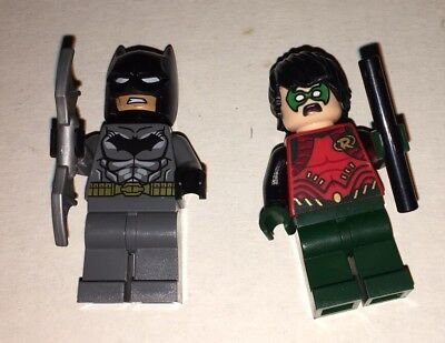 LEGO Batman and Robin Mini Figures With Accessories and 2 - Batman And Robin Capes