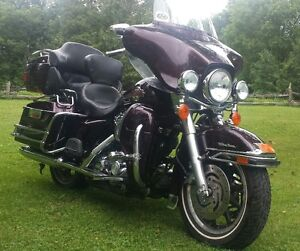 2006 HD ULTRA CLASSIC BLACK CHERRY: Loaded, Low kms
