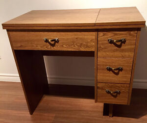 3 DRAWER SEWING MACHINE DESK/TABLE