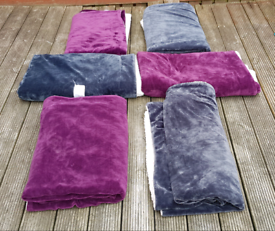 """6 x Throws for quick sale 5ft 5"""" x 4ft 7"""""""
