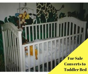 Crib/Toddler Bed with Mattress