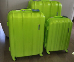 **LIQUIDATION** Set Of 3  NEW Lime luggage suitcases baggage