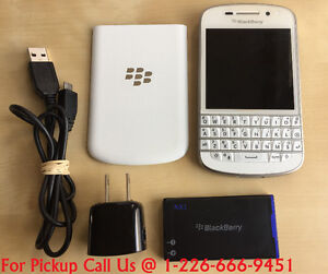BlackBerry Q10 Qwerty keyboard /Touch Screen 16GB (Rogers/ Fido)