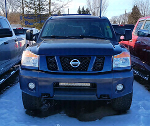 NISSAN TITAN PRO 4X CREW CAB V8 4X4 *FULLY LOADED MODEL! *