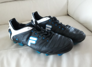 4694d2615e4e ... Mens Fila soccer boots in great condition  Football Boots Indoor ...