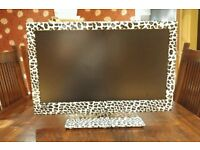 "22""leopard print led tv dvd freeview hd usb good working order can deliver bargain"
