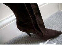Ladies UL size 6 Italian Suede Leather high Boots
