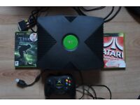 Original Xbox With 4 Controllers and 2 Games