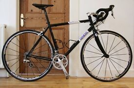 GENESIS EQUILIBRIUM 10 2011 Road/Commuter/Winter Bike - Upgraded - 56 - Mavic Ksyrium Elite - 725