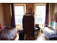 HUGE AND BRIGHT DOUBLE ROOM AVAILABLE for COUPLES OR FRIENDS, CITY CENTRE, LONG AND SHORT TERM