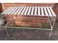 Greenhouse table in metal good
