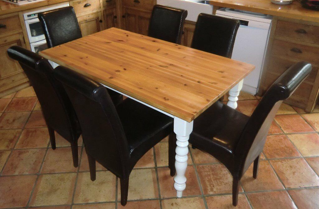 pine kitchen table and chairs  in daventry