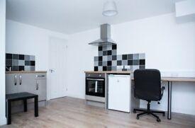 1 double bedroom studio apartment flat STUDENT PO5 1EE Bills included £165 per week only!