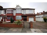 6 bedroom house in Munster Gardens, Palmers Green