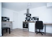 *STUDENTS ONLY* 1 bedroom studio apartment Fraser road PO5 1EE