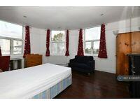 4 bedroom flat in Caledonian Road, London, N7 (4 bed) (#1083071)