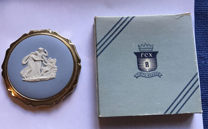 Wedgwood Blue Jasperware Cameo Powder Compact W/ Box England Unused Vintage