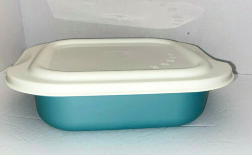 NEW Tupperware Blue Green Ultra Square Cake Pan Oven Microwave #3657 France HTF