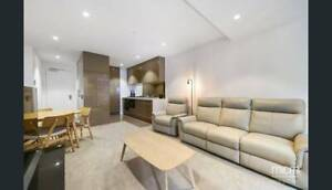SOUTHBANK LEASE TRANSFER: Unfurnished room available in 2bd 2bth