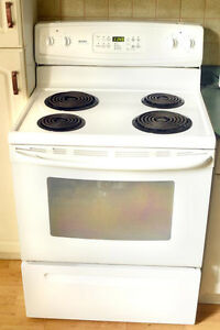 Kenmore stove clean and works well Cambridge Kitchener Area image 1