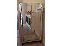 Venetian mirrored glass Cabinet/cupboard
