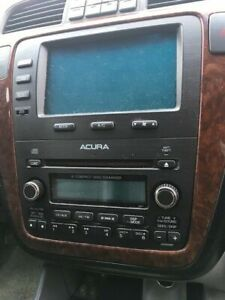 2005 ACURA MDX INFO CENTRE and 6 CD RADIO PLAYER