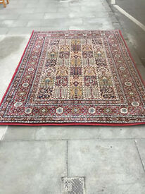 Rug in good condition feel free to view size 67 in x 90 in