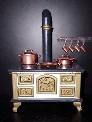 Küchenherd Herd mit Zubehör im nostalgischen Stil Puppenhaus Puppenstube 1:12