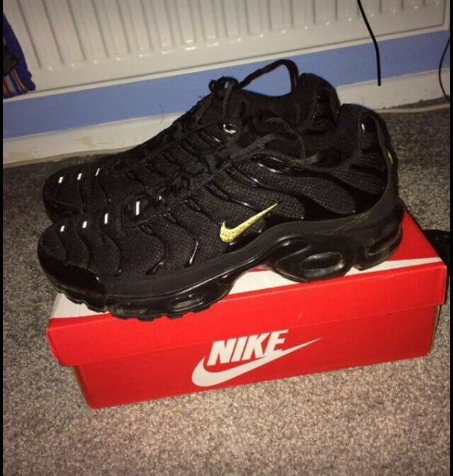5160eb02d2 ... best nike tns black and gold 6b8a5 67049