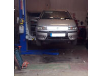 Garage Workshop to let - short term rent, approx 350 sq ft, use of Single Post lift included.