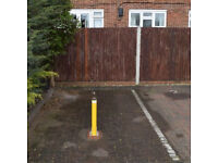 Worple Road SW19 parking space near Wimbledon station/tube/town centre with bollard, 24/7 access
