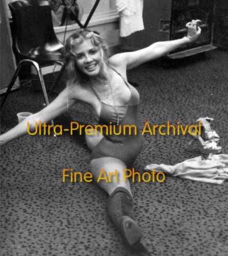 Fleetwood Mac STEVIE NICKS Splits in Leotard Hi-Res Pro Archival Photo (8.5x11)