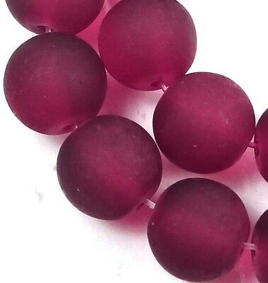 25 Frosted Sea Glass Round / Rocaille Beads Matte - Ruby 10mm