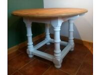Dining table / kitchen table