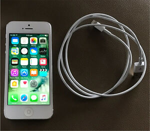 iPhone 5 Silver 32GB Unlocked Shortland Newcastle Area Preview