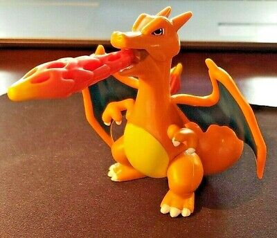 POKEMON 2003 HASBRO CHARIZARD FIGURE WITH FIRE PUNCH ATTACK WORKS 3.5'' X 3.5''