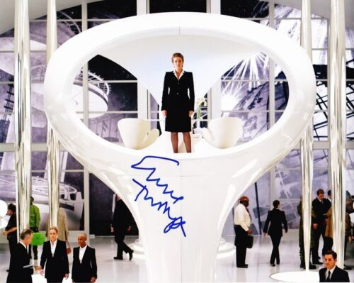 Emma Thompson signed 10x8 Image B photo UACC Registered dealer COA