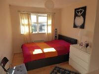 A Beautiful Spacious Double Bedroom - All Bills Included
