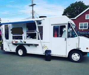 *NEW PRICE* FOOD TRUCK FOR SALE / 1999 FORD CURBSIDE VAN